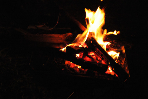 キャンピカ明野で焚火