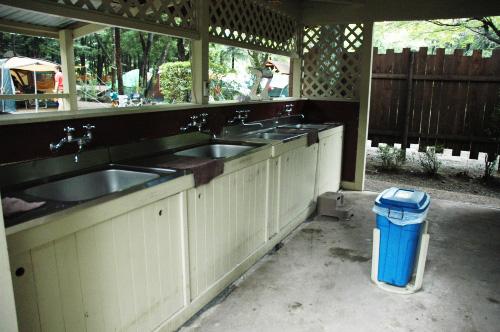 温水キッチン