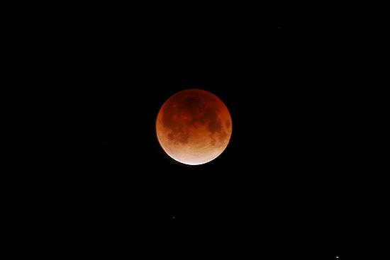 三脚を使って撮った月食