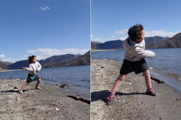 中禅寺湖で石投げ