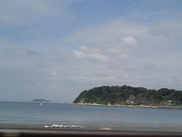 材木座海水浴場からの眺め