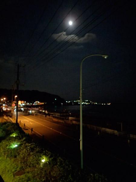 夜の材木座海水浴場